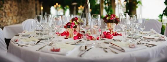 Pourquoi décorer votre table avec des gobelets personnalisés à votre mariage ?